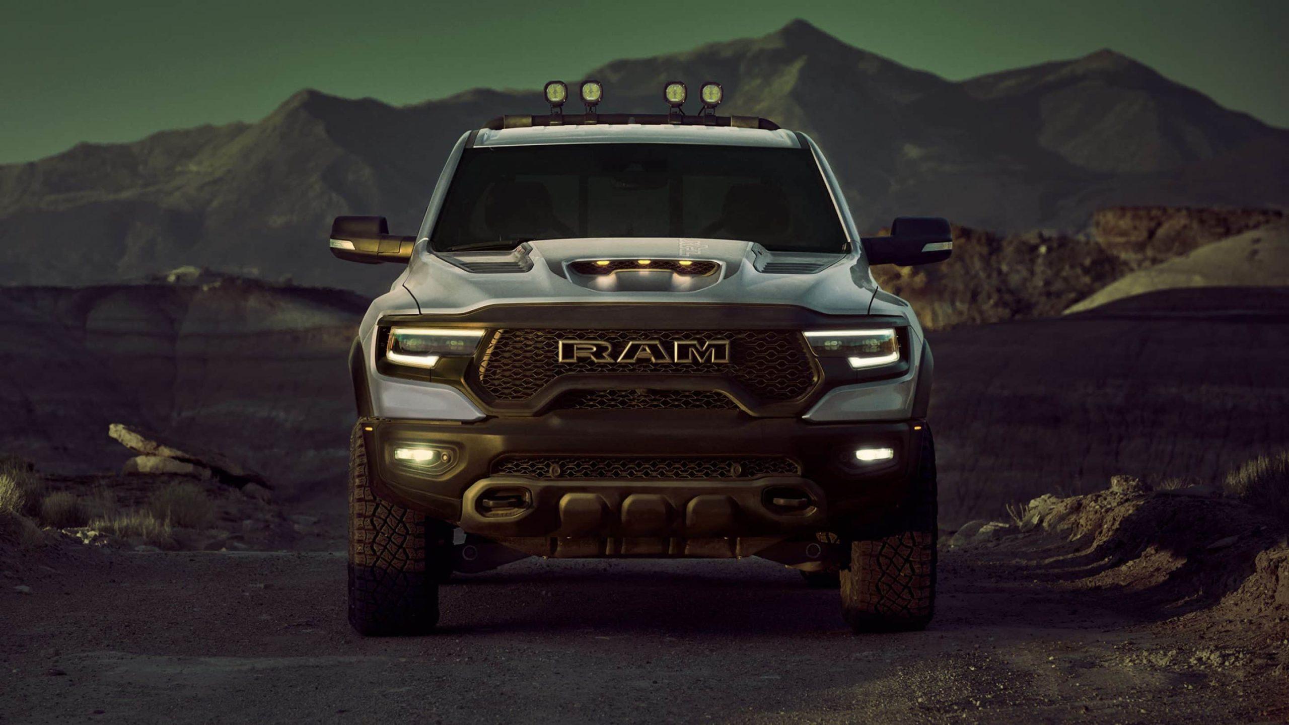 Von Rock Rails bis hin zu Offroad-Beleuchtungspaketen wie der verfügbaren RamBar bietet Mopar® exklusives TRX-Zubehör für jedes Outdoor-Abenteuer.